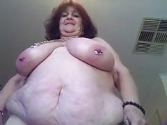 Granny BBW shows herself nude in front camera