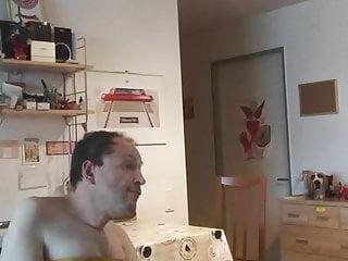 Ich schaue mir ein Porno meiner besten Freundin an und wichs