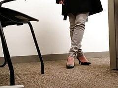 Candid MILF Black Office Heels No Real Shoeplay Toe Cleavage