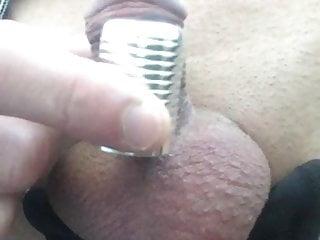 Mon homme branle son micropenis