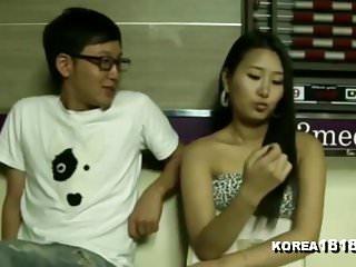 KOREA1818 COM性感泳池女孩