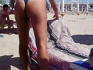 moglie amico in bikini