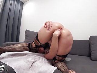 Brunette hardcore fisting masturbation...