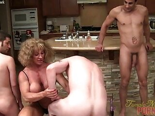 Sexy Older Muscle Goddess WC Dominates 3 Nerds