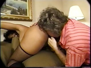 Old fart sniffs booty and masturbates...