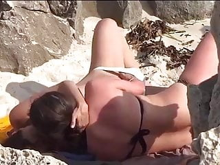 Fingering,Voyeur,Beach,Kissing,Lesbian,Orgasm,Hidden Camera,Girl Masturbating