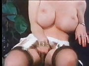 F60 Big Boobs RETRO BABE MASTURBATE