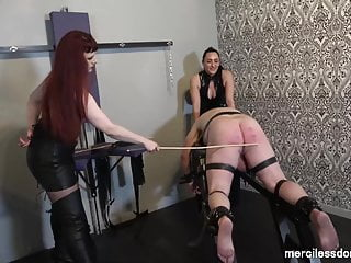 Pleasure ass Caned and -Spanking of immobilized Flogging for