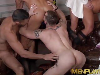 Muscle businessman alejandro torres banging foursome...