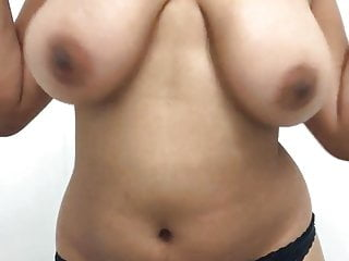 Big Boobs Indian Hottie Exposing Online 6