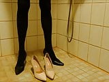 Pissing in nude stiletto high heels wearing pantyhose