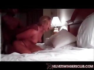Club blonde milf bbc bull...
