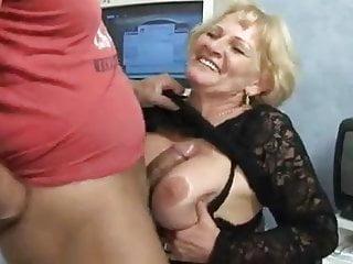 Granny in pantyhose fucks by troc...
