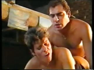 short haired german mom double penetrated by two guys