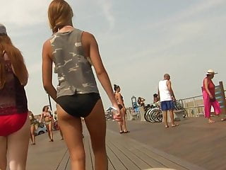 Bikini Teen Sexy Walk (Graz 20)