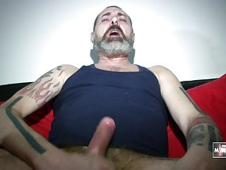 Red room, jerking again