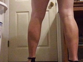Bisexual sissy crossdresser wants to be fucked...