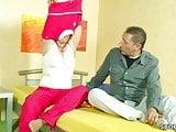 Mutti und Papa probieren was neues im Bett aus