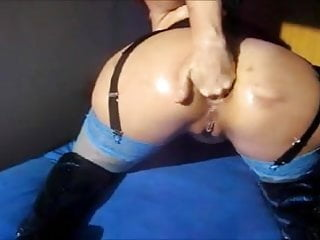 bitch fists anal on webcam