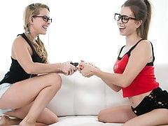 Nerd meids Turn into Lesbians - Lilly Ford, Jill Kassidy, Jill Kassidy