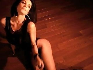 Denise Milani Hot underground - non nude
