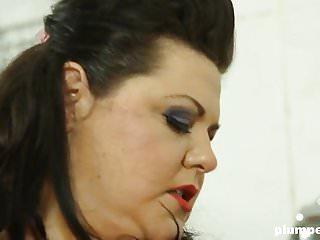 Plumperd bbw femdom threesome...