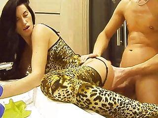 Skinny leopard lingerie has hard bath realcam...