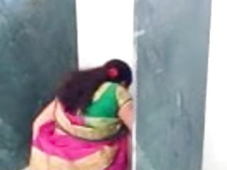 Tamil sweltering aunty on bathroom hiddencam