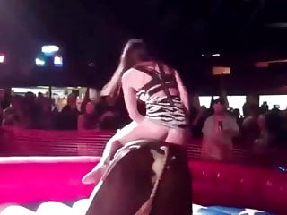 Bullriding with hot ass
