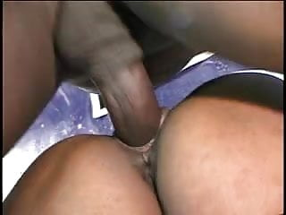 Ebony hottie in action