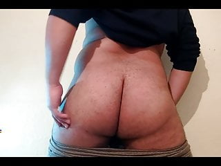 Fat Arab Bear With Biggest Ass Shake it Sexy Booty