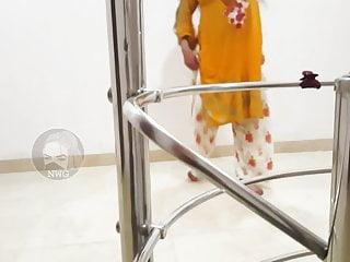 Gadi to manga dy pakistani mujra dance sexy...