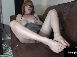 Blistering Red head Penny Pax Does Jerk Off Instructions & Presents Off Her Noble Footsies