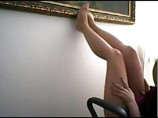 secretary show her cunt at office