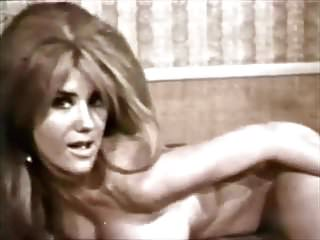 BOOBARELLA - vintage 60's beauty stripteases