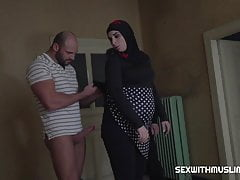 pregnant muslim woman has sex with friendfree full porn