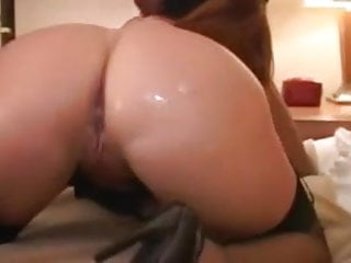 Chunky voluptuous milf gives black guy a satisfying...