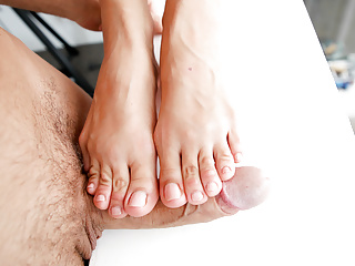 Foot fetish queen knows how to charm her...
