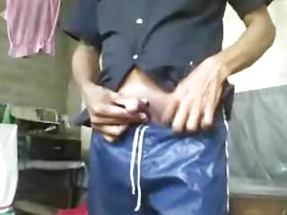 Sri lankan guy jerking of for...
