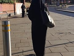Muslim lady in Full Gear (I can see your sexy shape )Wow