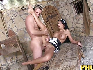 Fhuta latina maid uses her ass to tame...