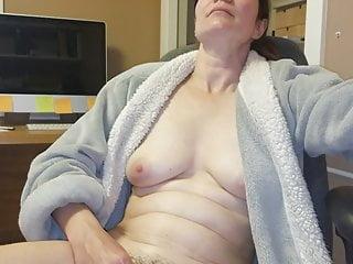 wife cumming with vibrator