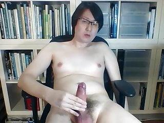 Singapore boy shootingv-shaped cumblasts