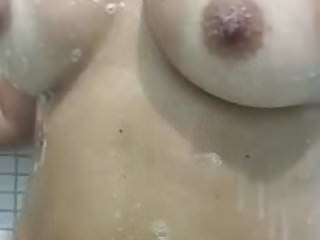 Filmou a sua mama no banho