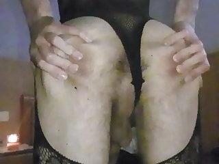 Im black hard uncut cock showhing butt...