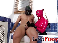 Latex Lucy in the Bath at LatexPussyCats
