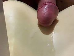 close up cum flow