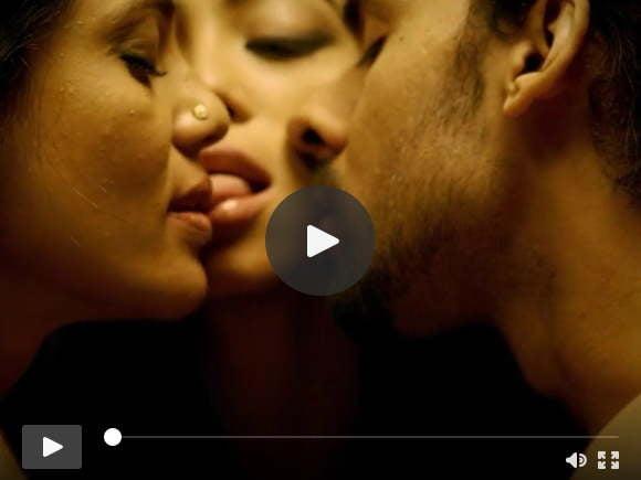भारतीय त्रिगुट सेक्स दृश्य