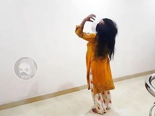 Gadi To Manga Dy Pakistani Mujra Dance Hot Dance Mujra