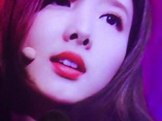 Twice Nayeon cum tribute